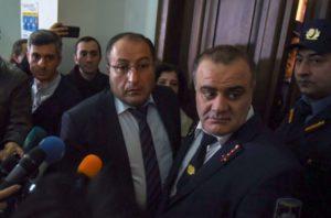 «Спасти рядового Робика»: Адвокаты Кочаряна в цугцванге