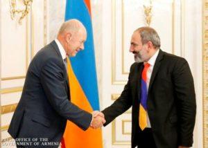 И.о. премьера Армении принял председателя совета немецкой компании «Cronimet Mining»