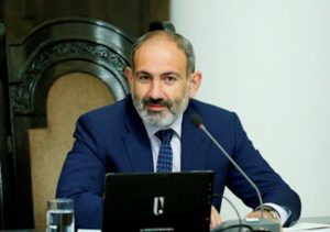 Никол Пашинян подписал документы для предоставления гражданства Армении Жирайру Сефиляну
