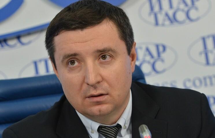 Пенсии работающим пенсионерам могут отменить в России
