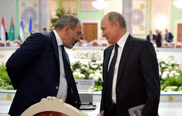 Путин сказал Назарбаеву о собственных контактах впроцессе Восточноазиатского саммита
