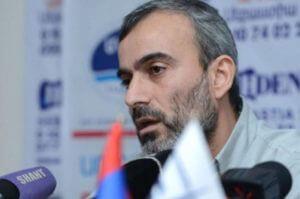 Жирайр Сефилян получил паспорт гражданина Армении