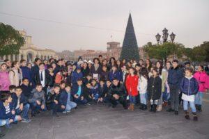 По инициативе Анны Акопян 800 детей приняли участие в новогоднем мероприятии