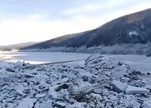Реку Бурею перекрыло осколками метеорита (Фото, видео)