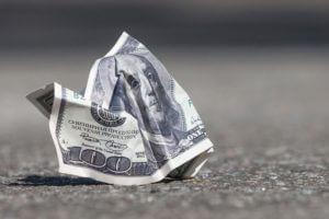 Россия отказывается от доллара в крупных торговых контрактах