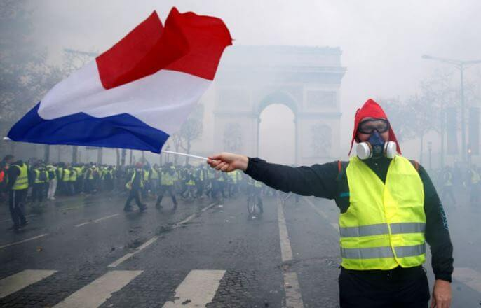 Протесты помогли: Правительство Франции отменило повышение тарифов на топливо