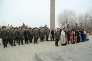 Глава Минобороны Армении посетил военный пантеон «Ераблур»