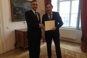 Посол Армен Папикян вручил копии верительных грамот главе МИД Австрии