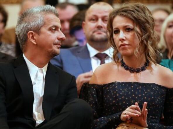Скандальный развод Собчак: Собчак и Богомолова опять поймали вместе