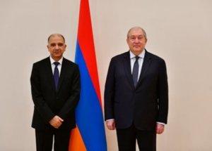 Президенту Армении вручил верительные грамоты посол Туниса