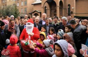 Махмуд Ахмадинежад отметил Рождество вместе с представителями армянской диаспоры Ирана