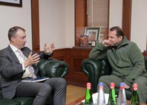 Министр обороны Армении и спецпредставитель ЕС обсудили карабахский конфликт