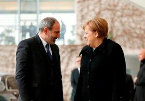 Ангела Меркель: Германия внимательно следит за процессами в Армении