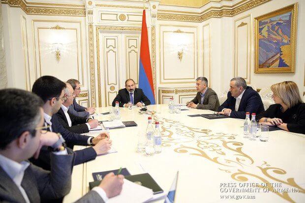 Премьер-министру Армении представили программу модернизации налогового администрирования