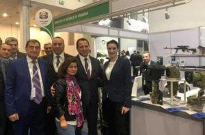 Глава Минобороны посетил армянский павильон на военно-промышленной выставке IDEX-2019 в Абу-Даби