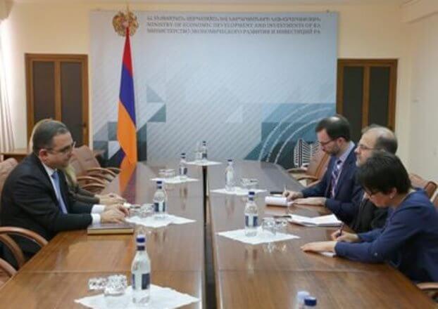 Глава Минэкономики и временный поверенный в делах США в Армении обсудили вопросы сотрудничества