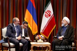 Премьер-министр Армении поздравил Роухани с 40-летней годовщиной победы Исламской революции