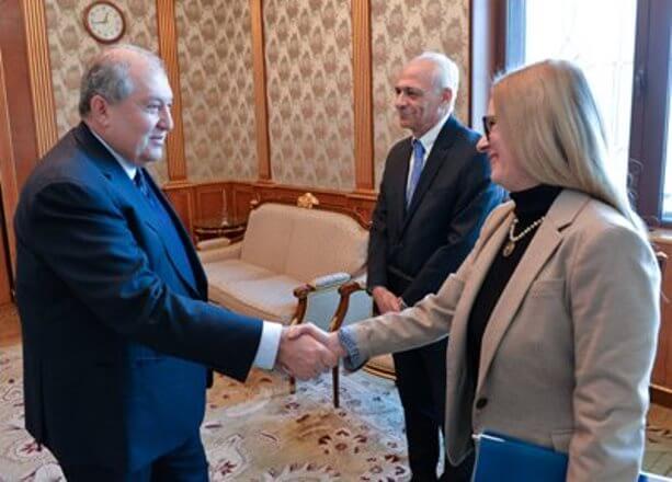 Президент Армении и директор ереванского офиса ВБ обсудили вопросы сотрудничества