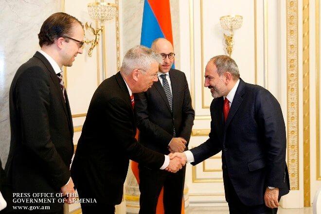 Обсуждены вопросы расширения сотрудничества между правительством Армении и Немецким банком развития