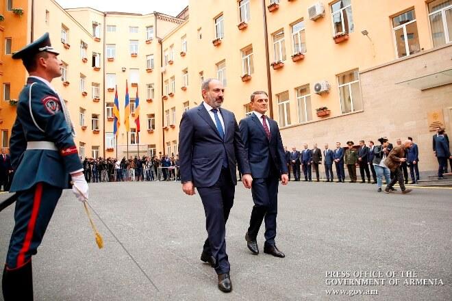 В Армении зарплата полицейских повысилась в среднем на 20%