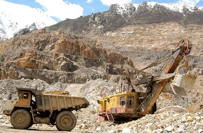 Парламент Армении принял в первом чтении законопроект о раскрытии реальных владельцев рудников