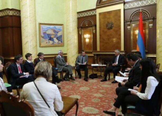 Вице-премьер Мгер Григорян и Дирк Шатшнайдер обсудили возможности развития сотрудничества между Арменией и Германией