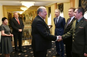 Президент Армении по случаю Дня России посетил посольство РФ в Ереване