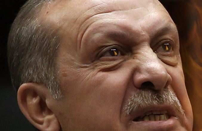 Moody's понизило кредитный рейтинг Турции до «мусорного» уровня, страна на грани дефолта