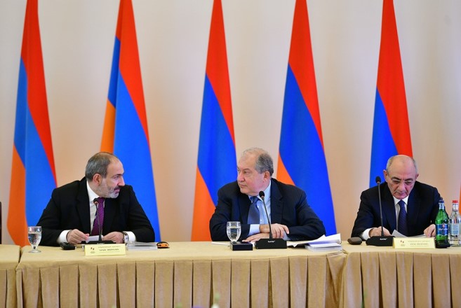 Никол Пашинян предлагает обсудить идею формирования всеармянского бюджета