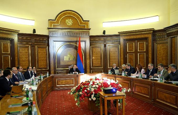 Правительство Армении хочет повысить минимальную зарплату на 8 тыс. драмов