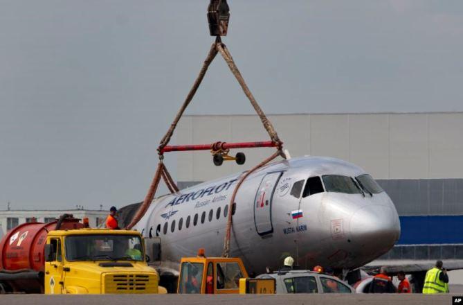 Россия и Турция обсудили поставки самолетов SSJ-100