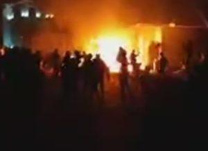 Сторонники Атамбаева захватили бойцов спецназа в его доме, над селом кружат вертолеты