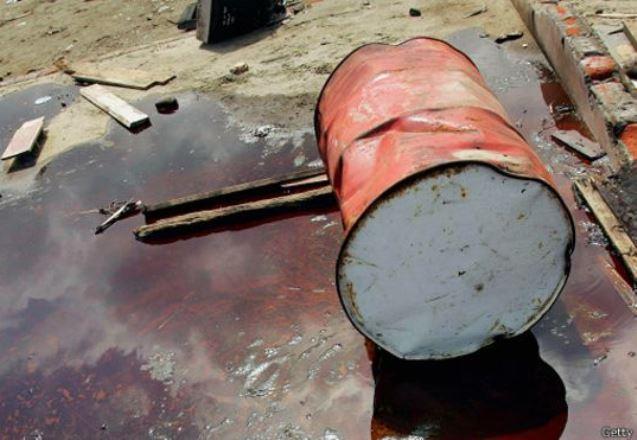 Нефть продолжает резко дешеветь