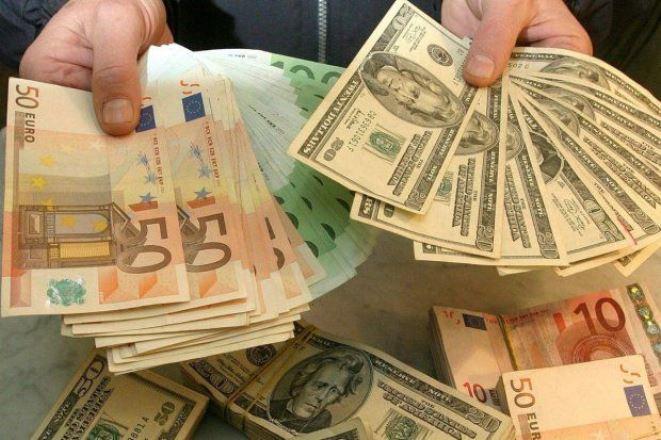 Прогноз курса доллара на 2019 год составлен в таблице по месяцам