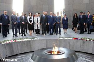 Премьер-министр Сингапура почтил память жертв Геноцида армян