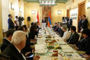 Пашинян премьер-министру Сингапура: Желаю Вам, чтобы наша «золотая осень» скрасила Ваши дни в Армении