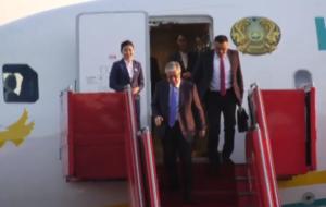 Президент Казахстана прибыл в Ереван