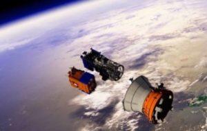 Новый российский военный спутник распался на части