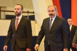 Глава аппарата правительства Армении назвал причину отставок Ванецяна и Осипяна