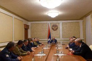 Президент Арцаха присвоил министру обороны звание генерал-лейтенанта