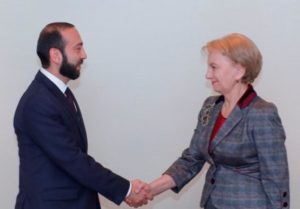 Председатели парламентов Армении и Молдовы обсудили вопросы сотрудничества