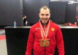 Никол Пашинян поздравил Акопа Мкртчяна с победой