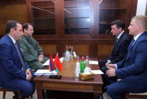 Глава Минобороны Армении принял помощника министра обороны Беларуси