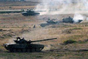В Арцахе прошли учения с участием бронетанковых войск