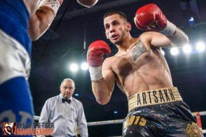 Армянский боксер Артем Оганесян нокаутировал опытного соперника уже во втором раунде