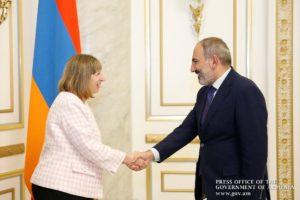 Премьер-министр Армении и посол США обсудили перспективы сотрудничества
