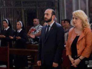 Спикер парламента Армении присутствовал на воскресной литургии в армянской церкви в Риме