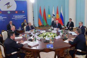 Лукашенко: для ликвидации барьеров на пространстве ЕАЭС необходимо политическое решение