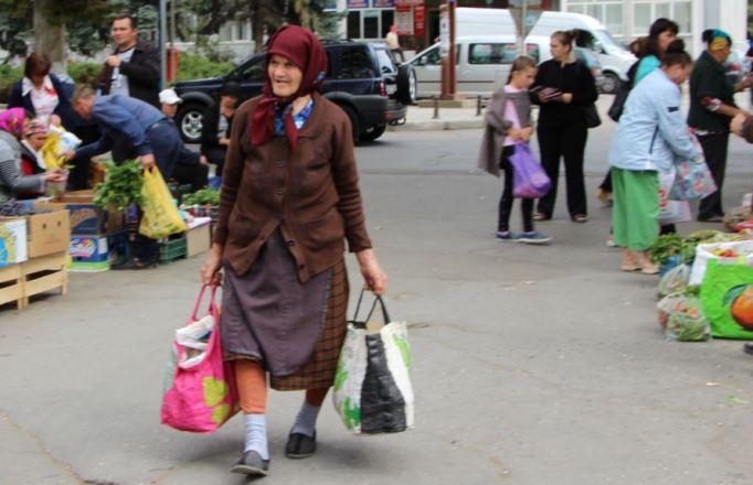 Благосостояние среднего класса в России падает, поляризация внутри него усиливается