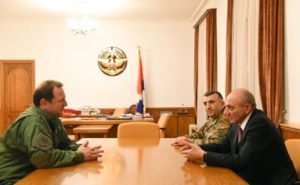 Президент Арцаха принял министра обороны Армении